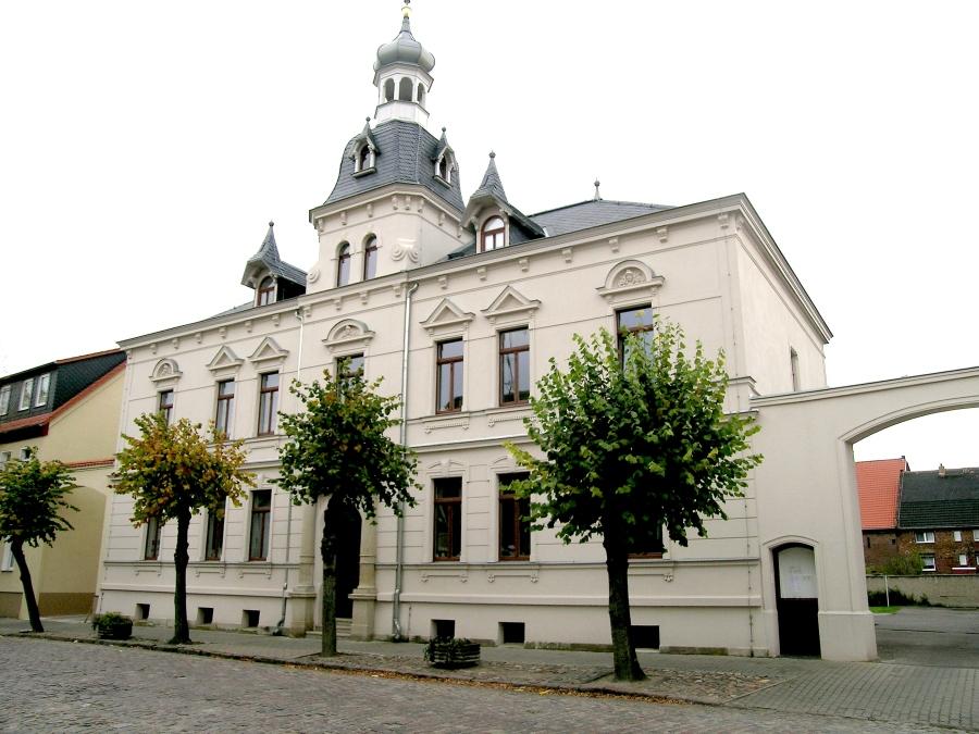 DSCN0776Fenster Rathaus Brehna